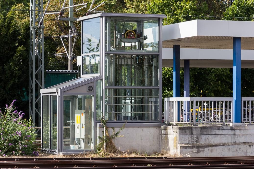 Aufzug zum Bahnsteig 2 in Stuttgart-Vaihingen