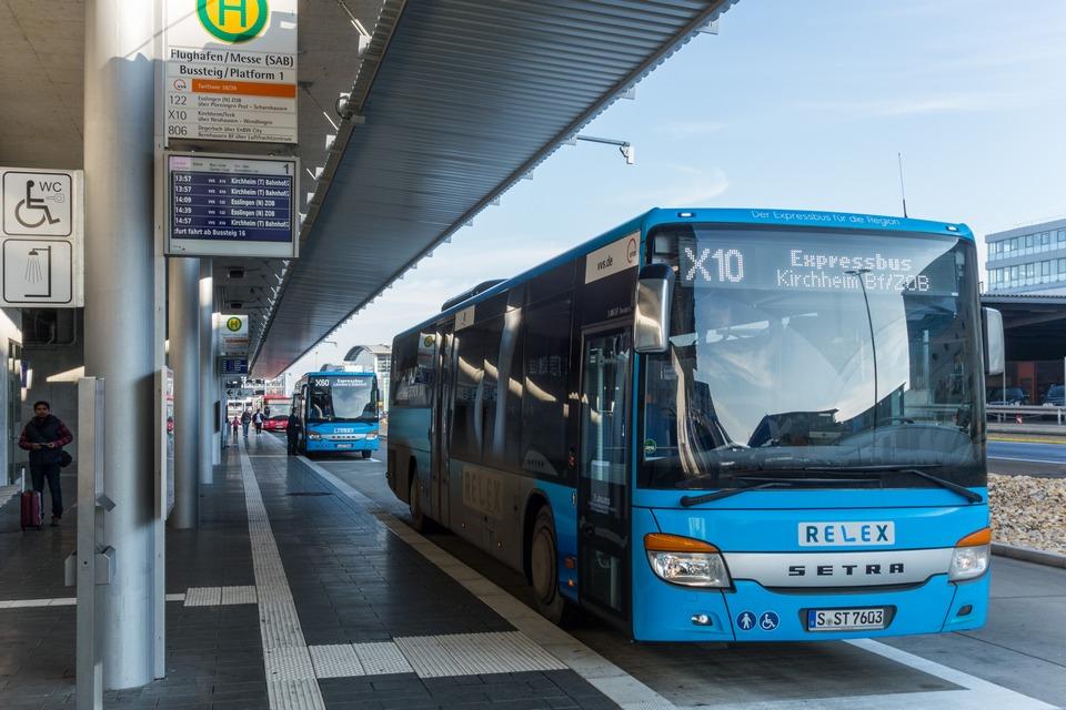 RELEX-Parade am SAB-Terminal Flughafen/Messe