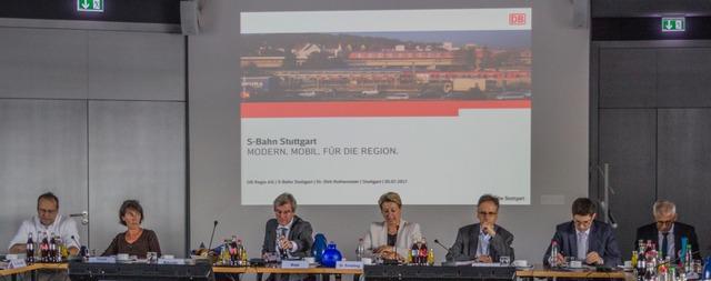 Podium bei 5. S-Bahn-Gipfel am 5.7.2017
