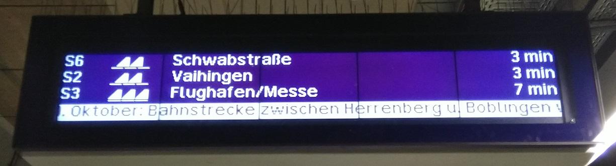 Alter Zugzielanzeiger an der Station Stuttgart Schwabstraße