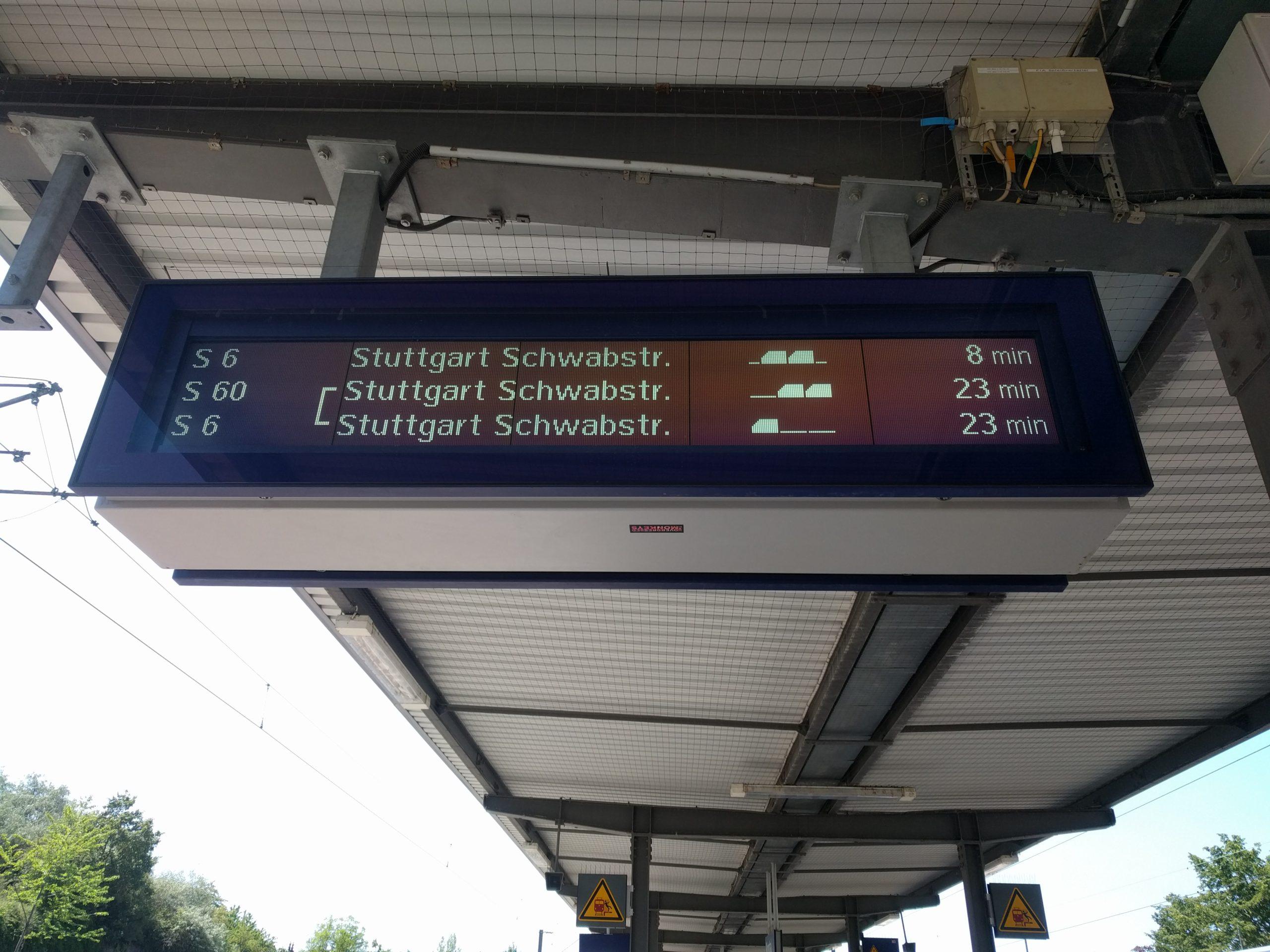 Anzeige S-Bahn Zugteilung Korntal