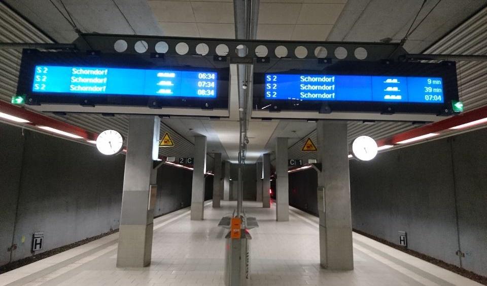 Bahnhof Filderstadt zur frühen Stunde